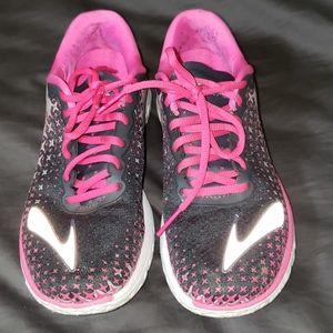 Brooks shoes. Size 8.5. M